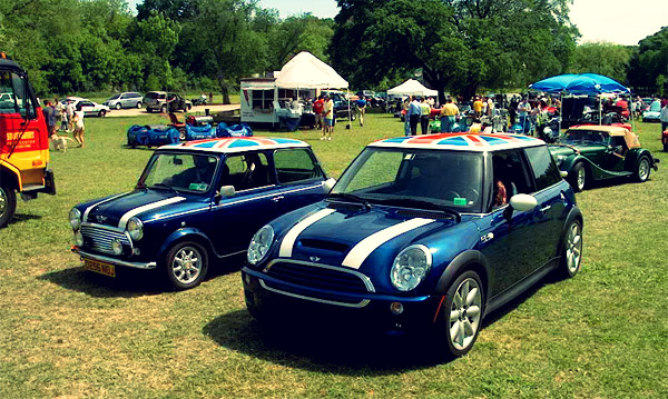 2003 BMW MINI Cooper S and Mark III classic Mini